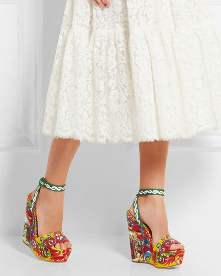 The prettiest wedge sandals for spring