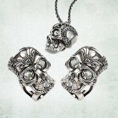 Alexander McQueen Poppy Skull Pendant Necklace