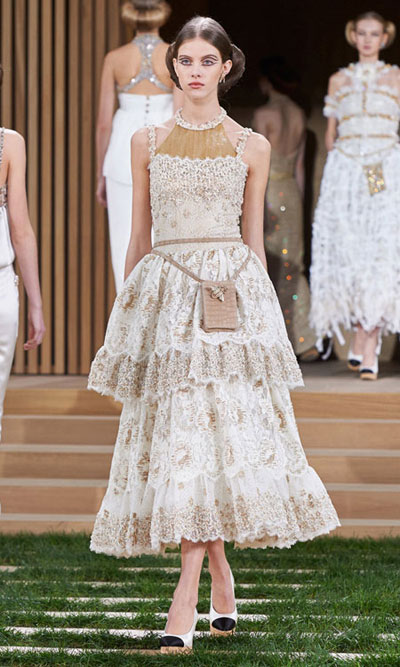 Chanel Spring Summer 2016 Haute Couture Look 4