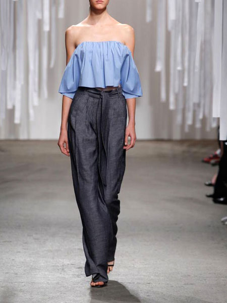 how to wear off the shoulder top - wide leg jeans