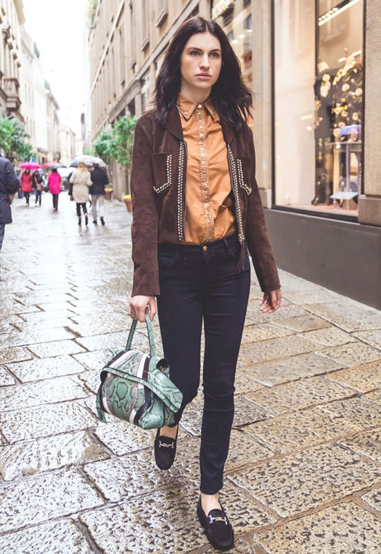 Tali Lennox in Tods Wave Bag