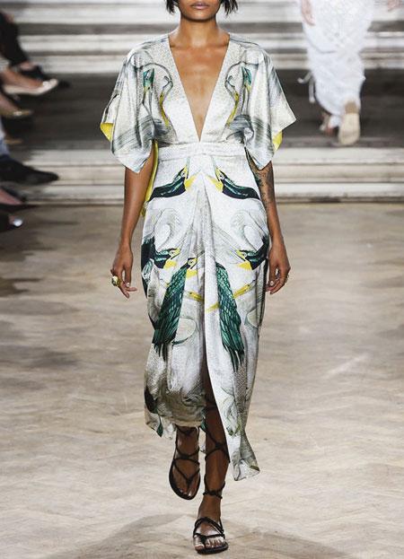spring-summer-2016-runway-dresses-on-sale-05