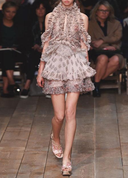 spring-summer-2016-runway-dresses-on-sale-07