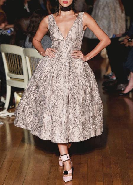 spring-summer-2016-runway-dresses-on-sale-19