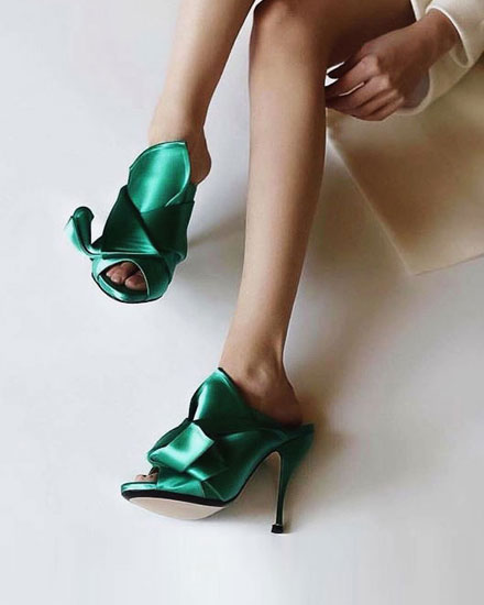 LOVIKA | Style Crush - No 21 Mules #shoes