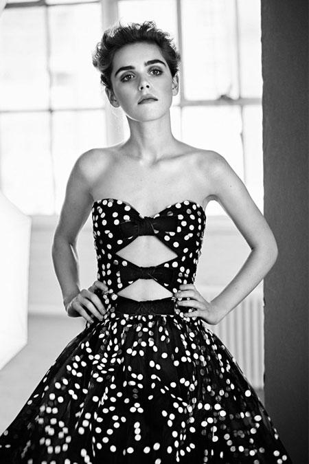 Carolina Herrera Evening Lookbook Resort 2017 #Gown | Lovika