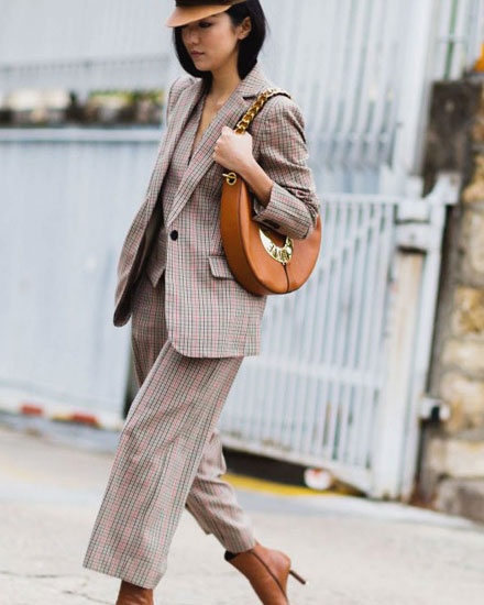 LOVIKA | Loewe joyce bag street style #fashion #inspiration