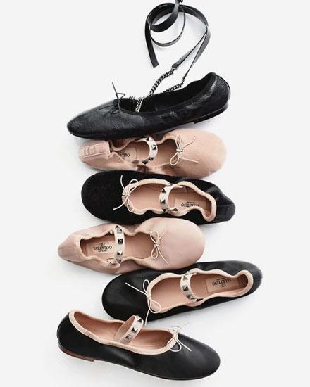 LOVIKA | Designer Sale must-have: Valentino rockstud ballerina flats #shoes