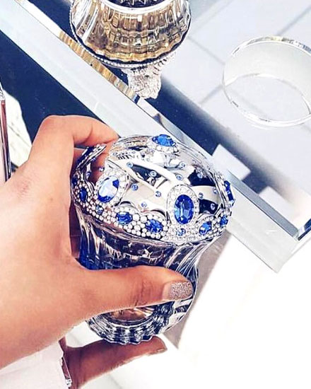 10 Breathtaking Perfume Bottles
