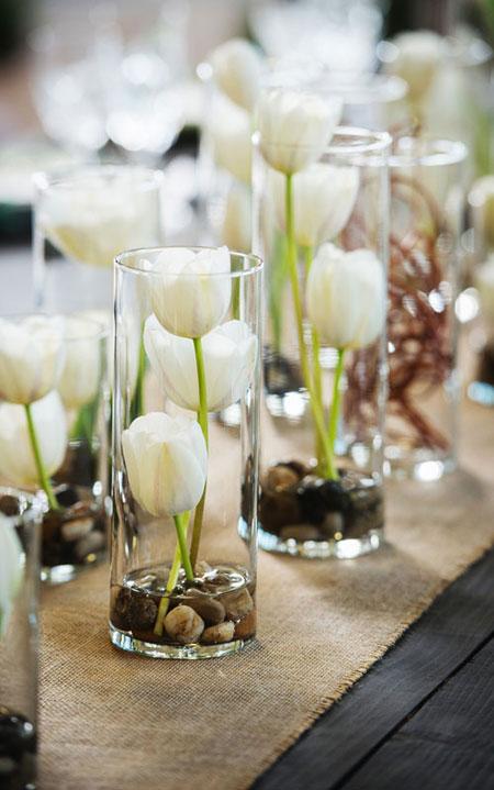 Spring Flower Arrangement Ideas | Lovika #Tulips