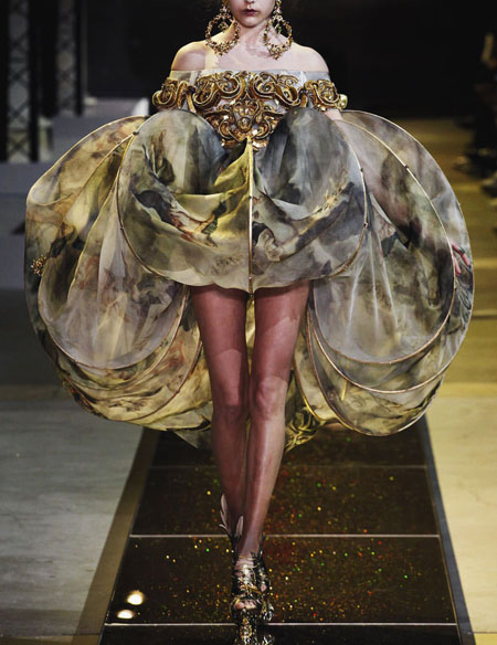 85 Stunning Gowns from Spring 2017 Haute Couture   Lovika featuring Guo Pei