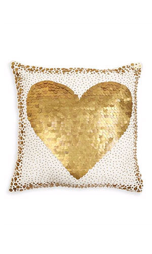 30 Beautiful Valentines Day Gift Ideas for Her | Lovika