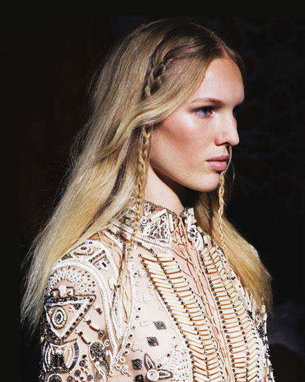 3 Chic and Easy Hairstyles from Spring 2017 Runway