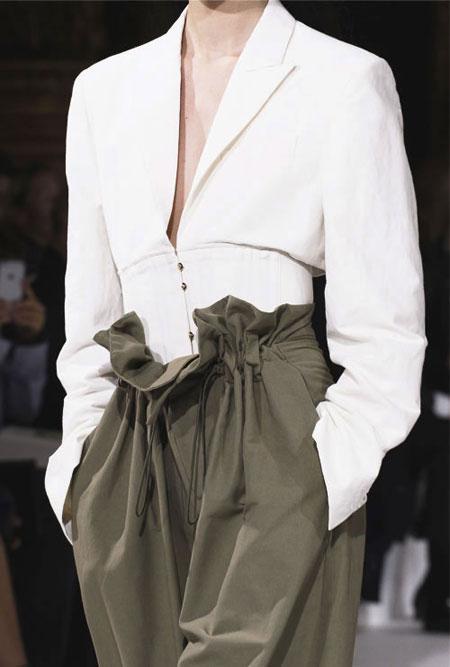 "Style Highlight: ""Corset Waist"" | Stella McCartney Spring-Summer 2017 Runway"
