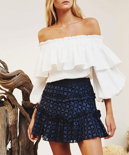 Ruffle Sleeve Top Outfit Ideas | Lovika #street #style #OOTD