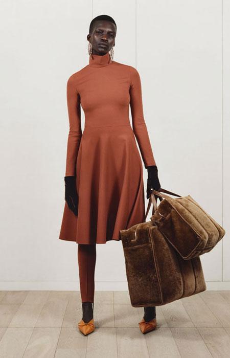 Balenciaga pointy-toe satin mules | Lovika #heels #flat