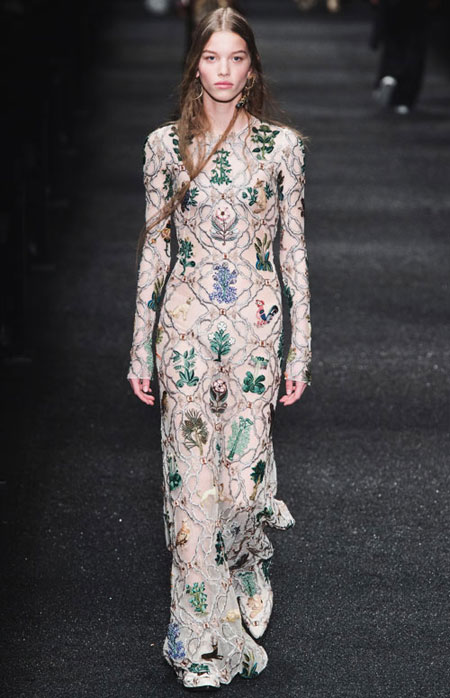 LOVIKA | Dazzling evening gowns and dresses from Alexander McQueen Fall-Winter 2017 runway looks