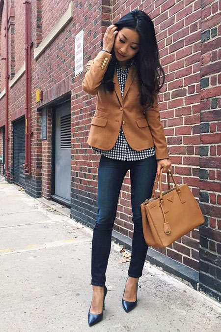 LOVIKA | 25 Chic Business-Casual Work Outfits for Fall #blazer #jeans