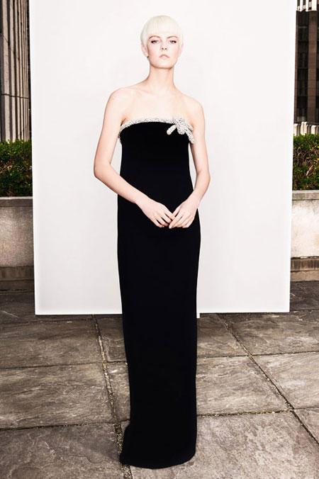 LOVIKA   Oscar de la Renta Spring 2018 lookbook #resort #editorial #evening #gown #black #dress