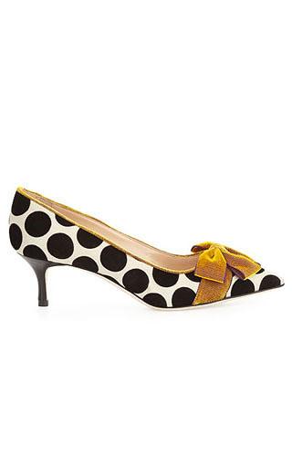 LOVIKA | Manolo Blahnik polka dot pumps #shoes