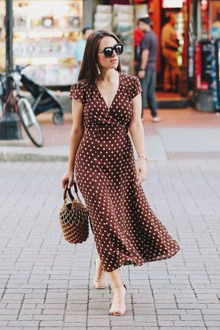Lovika Outfit Ideas - Staud Moreau Bucket Bag #OOTD