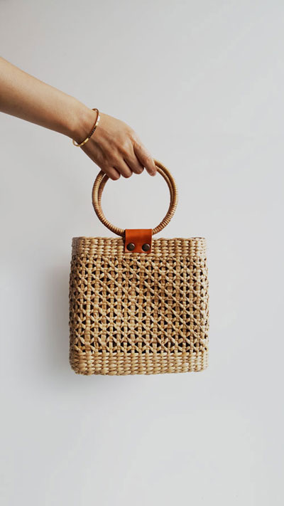 Limited Time EXTRA 50% off - Get this expensive looking bag under $50 (plus, FREE shipping) | Shop at Mindful Zebra