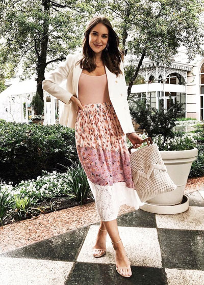 15 Romantic Spring Outfits to Try This Weekend   Lovika