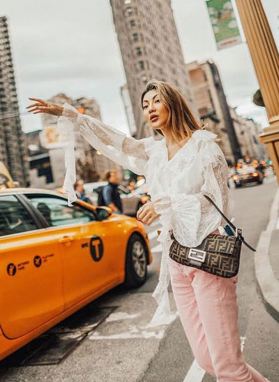 15 Romantic Spring Outfits to Try This Weekend | Lovika